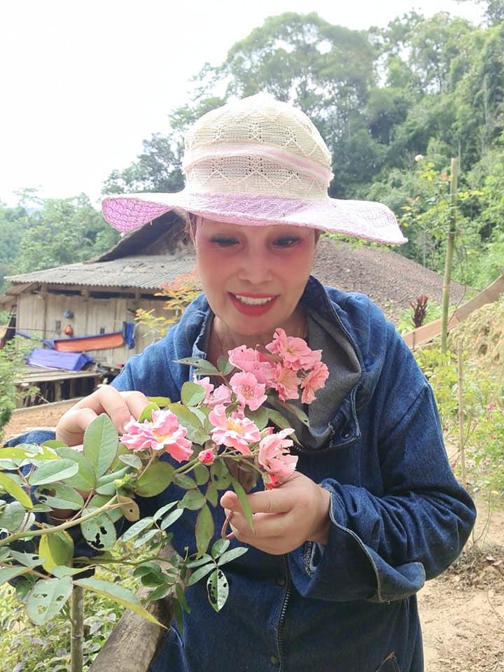Cô dâu Cao Bằng 62 tuổi xuất hiện với diện mạo mới cực lạ sau cuộc đại phẫu trẻ hóa - Ảnh 4