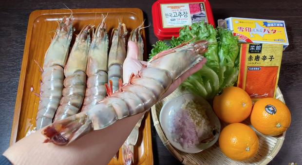 Youtuber ai mà sang chảnh như Quỳnh Trần JP, chọn review toàn món đắt đỏ, có loại tôm nữ hoàng giá mỗi con bằng cả cân ở Việt Nam - Ảnh 4