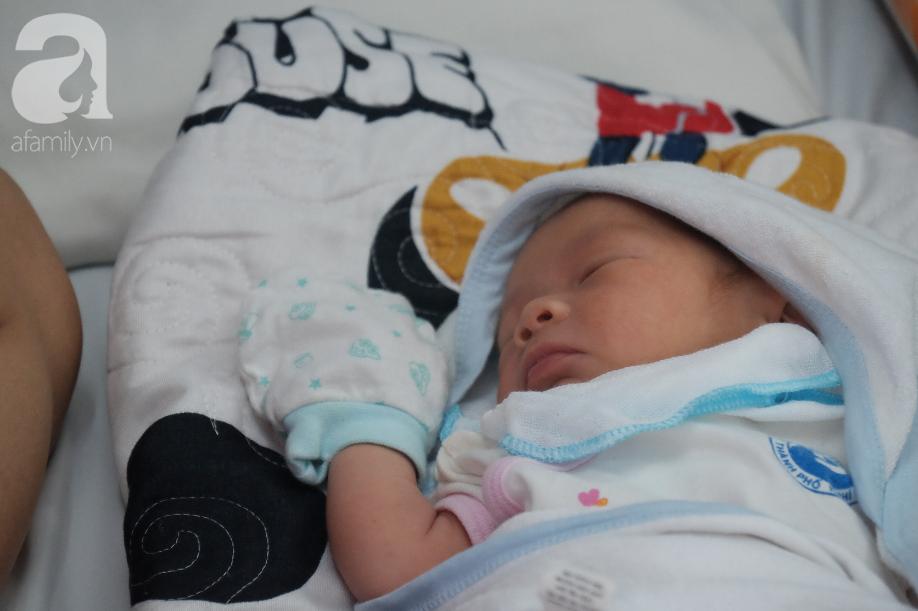 TP.HCM: Chồng dẫn bồ nhí về nhà, thai phụ ôm bụng bầu vào viện lén ngủ hành lang chờ đẻ bằng 30 ngàn trong túi - Ảnh 6