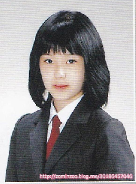 Ảnh tốt nghiệp của idol nữ khi chưa makeup, làm tóc cầu kỳ: Irene như nữ thần, Jisoo lại khác quá khác - Ảnh 4