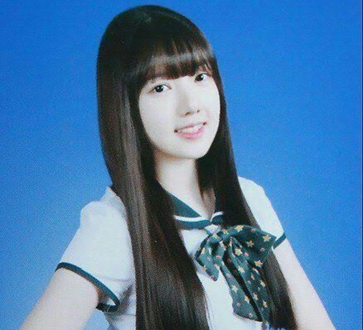 Ảnh tốt nghiệp của idol nữ khi chưa makeup, làm tóc cầu kỳ: Irene như nữ thần, Jisoo lại khác quá khác - Ảnh 8