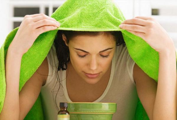 Xông mặt trị viêm nang lông với tinh dầu để tăng cao hiệu quả