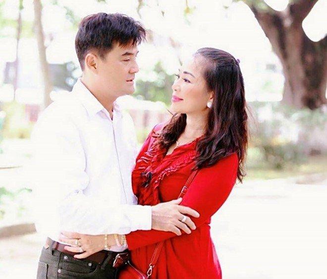 Chế Thanh hé lộ thêm về người vợ kín tiếng và con trai 23 tuổi là giám đốc - Ảnh 3