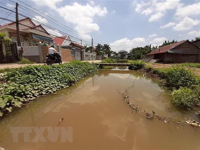 Cô giáo Bình Phước hiến căn nhà hơn 100 m2 để xây bờ kè nghìn tỷ - Ảnh 1