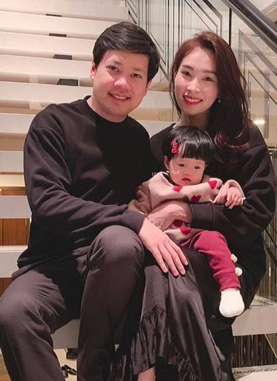 Đặng Thu Thảo khoe con gái lớn phổng phao, thích thú khám phá nơi làm việc của ba là doanh nhân Trung Tín - Ảnh 6