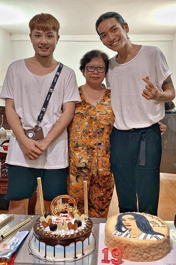 Không chỉ diện đồ đôi, BB Trần còn đưa người yêu về mừng sinh nhật cùng gia đình - Ảnh 1