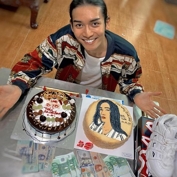 Không chỉ diện đồ đôi, BB Trần còn đưa người yêu về mừng sinh nhật cùng gia đình - Ảnh 2