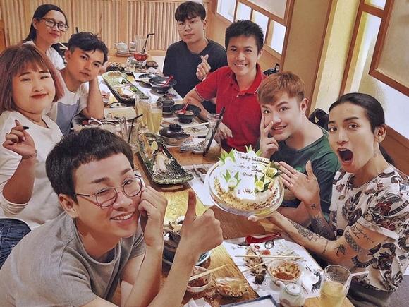 Không chỉ diện đồ đôi, BB Trần còn đưa người yêu về mừng sinh nhật cùng gia đình - Ảnh 5