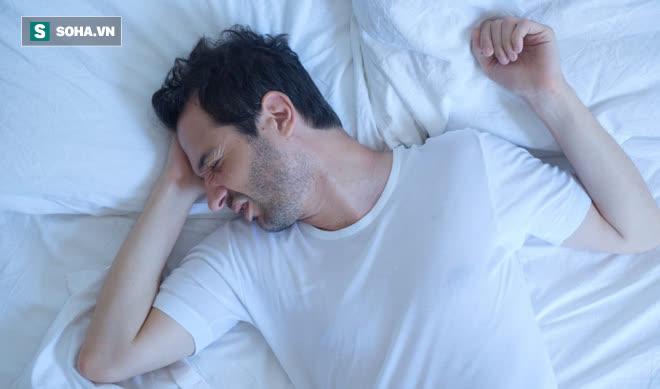 Người có 3 đặc điểm này khi ngủ, hãy cẩn thận đề phòng tử vong bất ngờ không kịp cứu - Ảnh 1