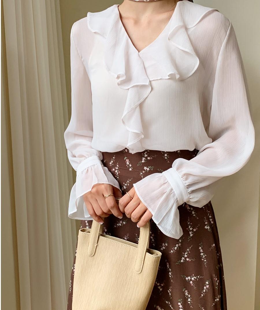 Những mẫu áo cách điệu sắp 'đánh chiếm' tủ đồ mùa thu của hội chị em - Ảnh 8