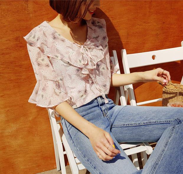 Những mẫu áo cách điệu sắp 'đánh chiếm' tủ đồ mùa thu của hội chị em - Ảnh 9