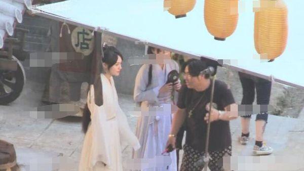 Trịnh Sảng bị chỉ trích khi liên tục bấm điện thoại trên phim trường của tác phẩm mới - Ảnh 3