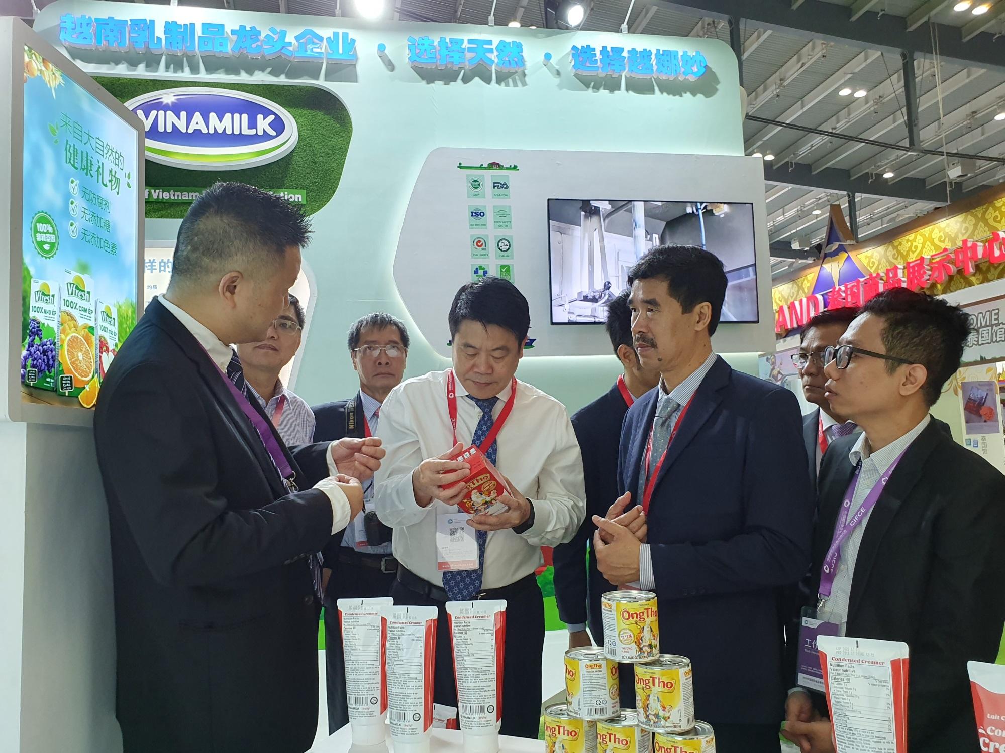 Giới thiệu sản phẩm Vinamilk tại Trung Quốc, ngành sữa Việt Nam tự tin mang chuông đi đánh xứ người - Ảnh 2