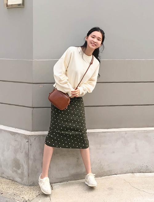 3 công thức mix chân váy dài - món đồ 'đỉnh' mùa đông của gái Hàn - Ảnh 9