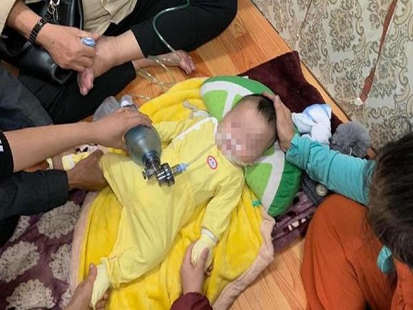 Bố mẹ đau đớn kể phút bé 4 tháng ở Hà Nội tử vong do ngủ bị đè - Ảnh 1