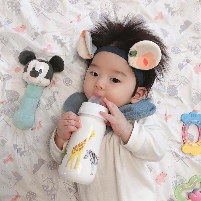 Cậu bé Hàn Quốc với quả đầu chôm chôm đáng yêu đến mức ai cũng muốn đem về nuôi - Ảnh 8