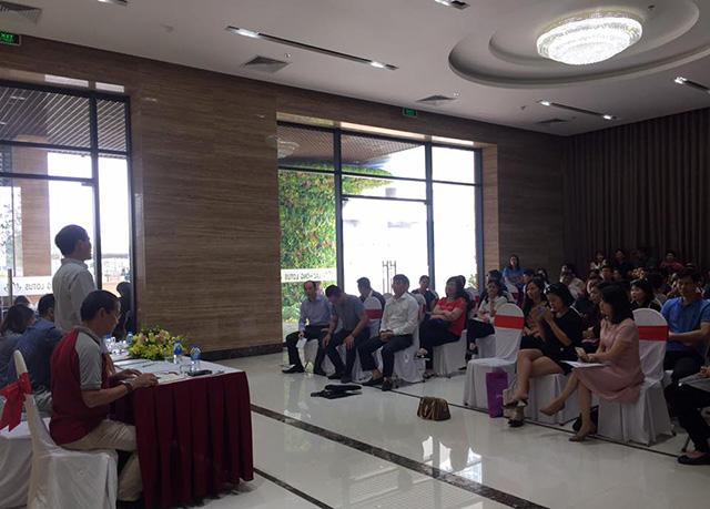 Cư dân chung cư Lạc Hồng Lotus tố chủ đầu tư 'ăn' bớt cửa thang máy - Ảnh 4
