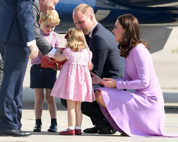 4 bài học nuôi dạy con rất đáng học hỏi từ gia đình Hoàng gia Anh mà cha mẹ hoàn toàn có thể áp dụng - Ảnh 2