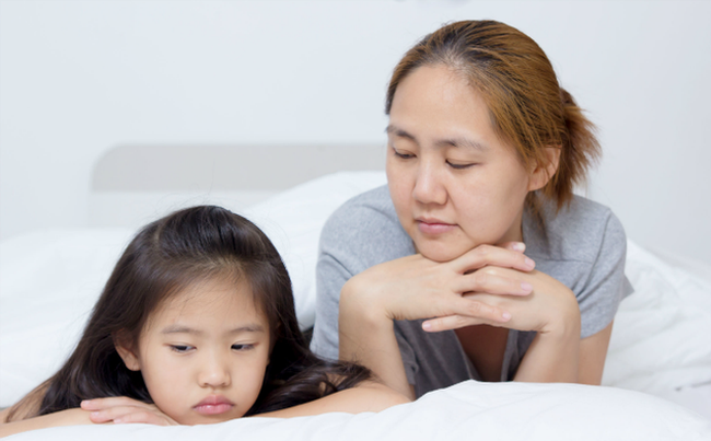 Cha mẹ không cần mất công nghĩ nhiều cách phạt con chỉ cần áp dụng đúng kiểu kỷ luật này trẻ sẽ ngoan ngoãn ngay - Ảnh 1