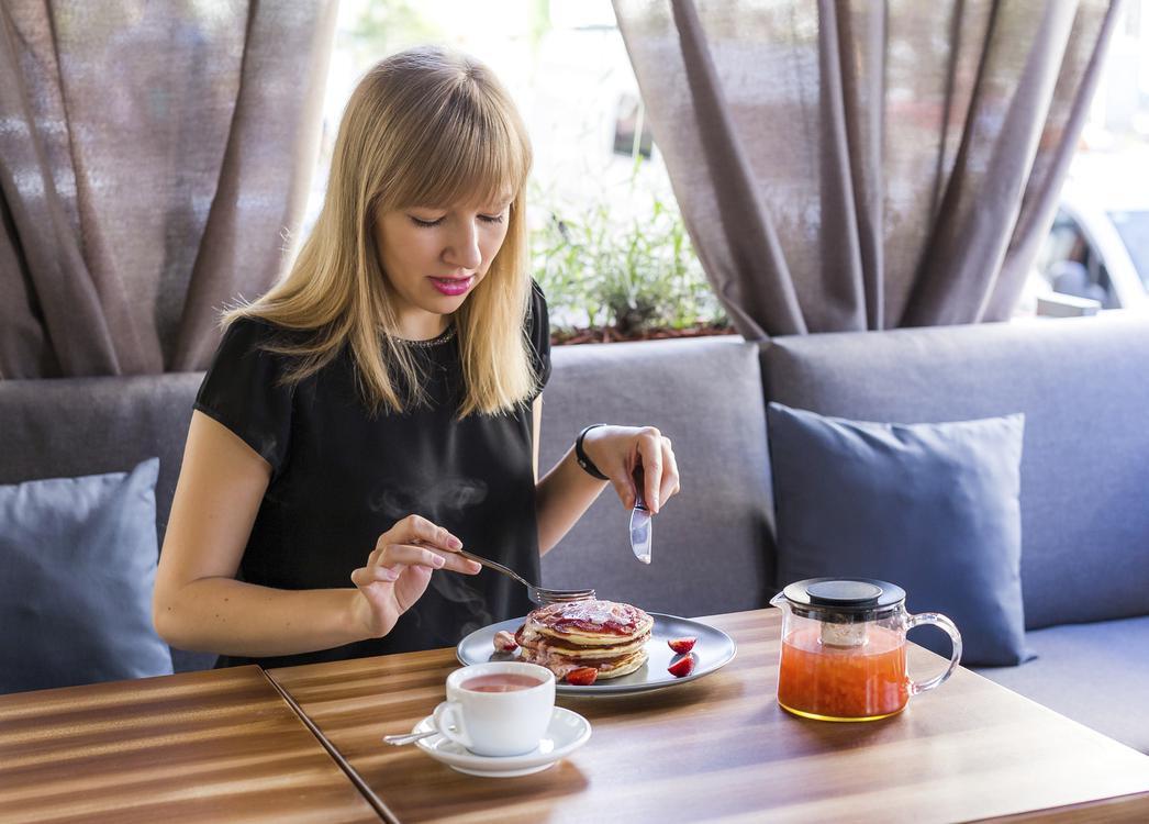 Con gái uống trà xanh cần né 4 thời điểm này để không gây ảnh hưởng xấu tới sức khỏe - Ảnh 3