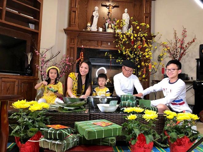 Gia đình Hồng Ngọc quây quần gói bánh chưng sớm tại Mỹ - Ảnh 2
