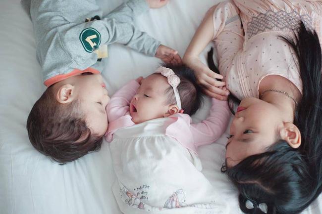 Mẹ Hà Nội với trải nghiệm kinh hoàng khi cả 2 con bị nhiễm virus RSV và bài học cảnh báo cho các mẹ - Ảnh 1