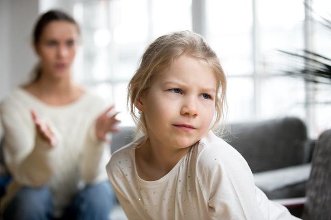 Nếu thấy con có thái độ hỗn hào thiếu tôn trọng thì cha mẹ hãy áp dụng ngay 7 phương pháp này - Ảnh 2