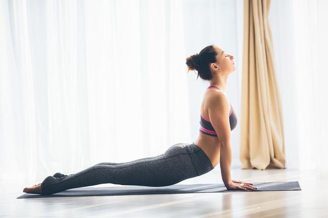 Những tư thế yoga tăng cường đốt cháy calo trong quá trình tập luyện - Ảnh 3