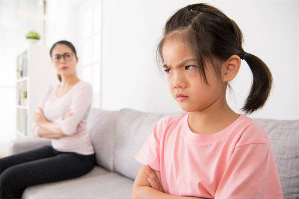 Thấy con có những hành vi ứng xử bất thường này cha mẹ tuyệt đối đừng bỏ qua mà hãy uốn nắn, sửa chữa ngay - Ảnh 1