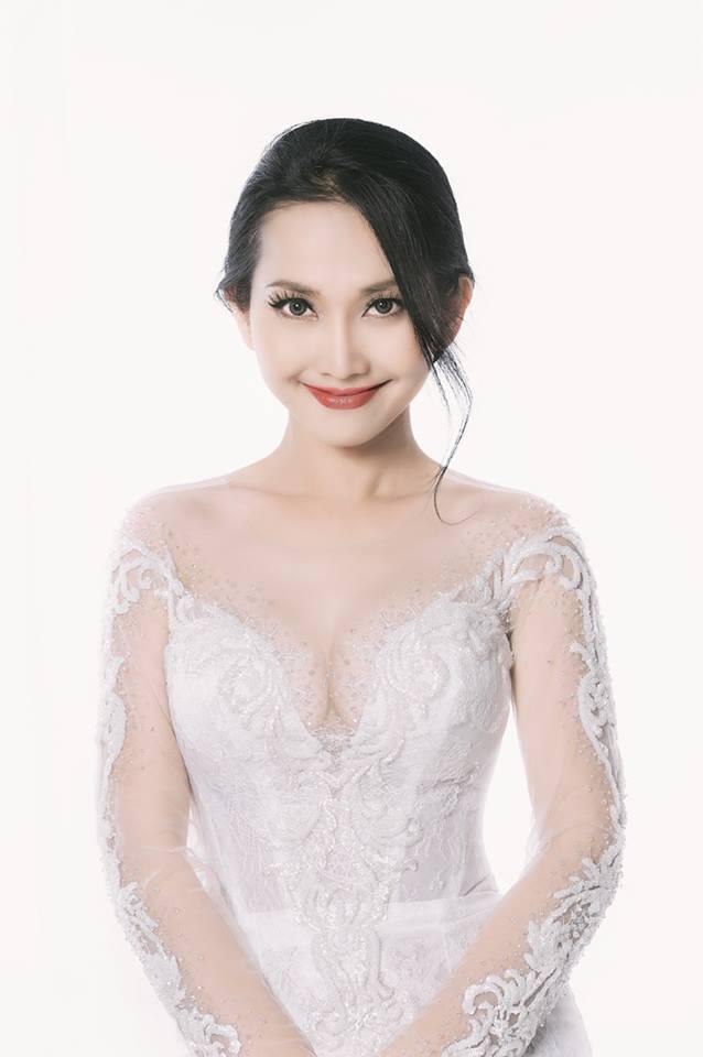 'Út Ráng' Kim Hiền tung ảnh cưới đẹp lung linh sau 5 năm kết hôn với chồng Việt kiều - Ảnh 7