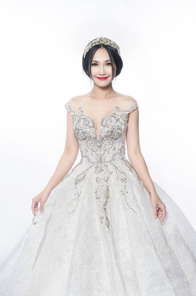 'Út Ráng' Kim Hiền tung ảnh cưới đẹp lung linh sau 5 năm kết hôn với chồng Việt kiều - Ảnh 10