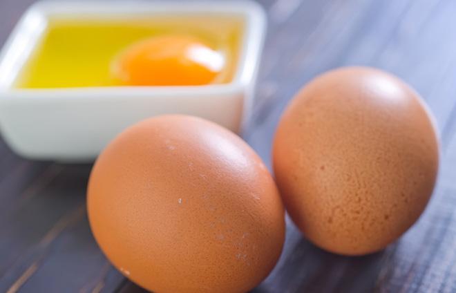 Ăn trứng gà khi mang thai sẽ sinh con da trắng bóc và thông minh hơn người? - Ảnh 2
