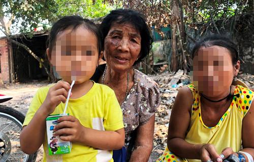 Cụ bà bán vé số hô hoán 'bắt cóc' khiến người cha bị đâm chết lên tiếng trần tình - Ảnh 1