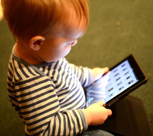 Lợi ích không ngờ của đồ chơi truyền thống với khả năng ngôn ngữ của trẻ mà cha mẹ chắc hẳn chưa biết - Ảnh 2