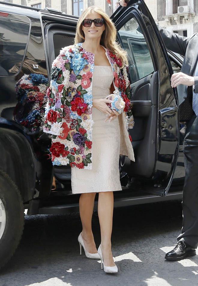 Phu nhân Tổng thống Mỹ sành hàng hiệu nhất thế giới: 1 chiếc áo cũng 1,2 tỷ đồng - Ảnh 1