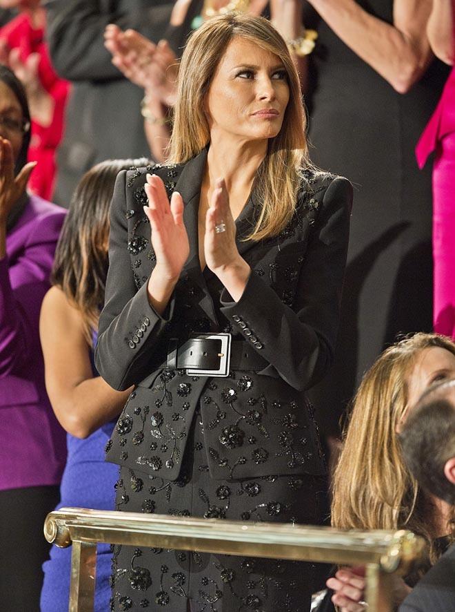 Phu nhân Tổng thống Mỹ sành hàng hiệu nhất thế giới: 1 chiếc áo cũng 1,2 tỷ đồng - Ảnh 4