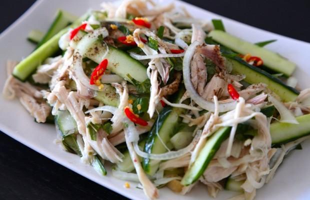 Cách làm salad thịt gà dưa chuột ăn kèm cơm tuyệt ngon - Ảnh 1