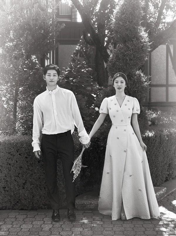 Truyền thông Trung Quốc bị chỉ trích vì tung tin đồn hẹn hò thất thiệt giữa cặp đôi Song Joong Ki - Song Hye Kyo - Ảnh 3