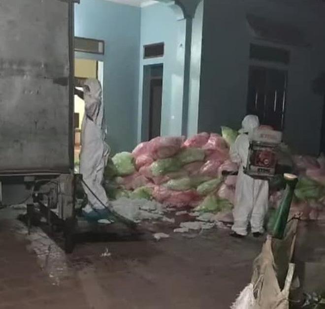 Thanh niên gom 600kg khẩu trang đã qua sử dụng ở Vĩnh Phúc mang về Hà Nội - Ảnh 1