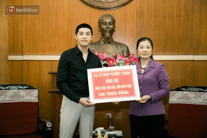 Noo Phước Thịnh trao 300 triệu đồng quyên góp phòng chống Covid-19 và hạn mặn miền Tây - Ảnh 2