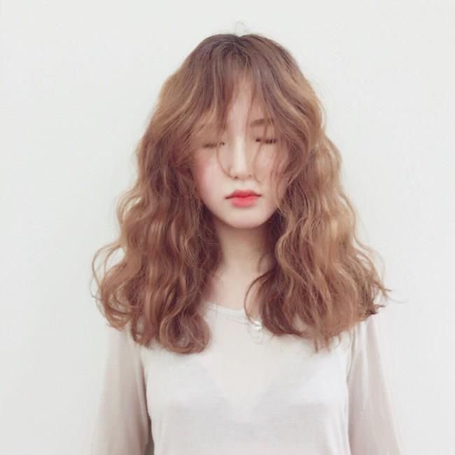 Trị tóc bết dầu chưa bao giờ đơn giản đến thế nhờ những bí quyết cực hay ho này - Ảnh 1