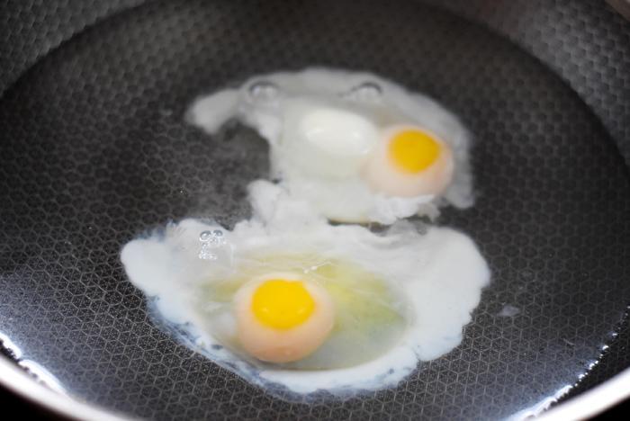 Chần trứng lần nào cũng bị sủi bọt, hóa ra chị em đều làm sai ngay ở bước này - Ảnh 2