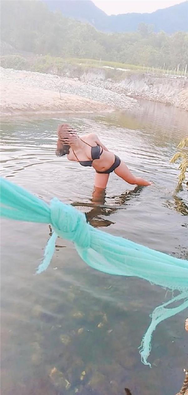 Bị chỉ trích, cô gái cởi trần chụp ảnh giữa suối phản pháo: 'Không ngại mọi người comment, chỉ ngại mọi người gửi kết bạn' - Ảnh 5