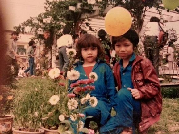 Khoe ảnh con gái cách đây gần 30 năm, mẹ Hà Hồ khen: 'Từ nhỏ mặt cô ấy đã sáng rồi' - Ảnh 5