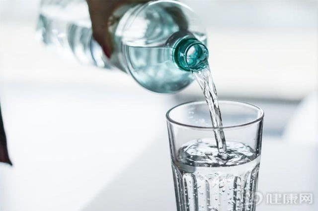 Uống nước trong 3 khoảng thời gian này có thể đem đến lợi ích vàng cho sức khỏe - Ảnh 1