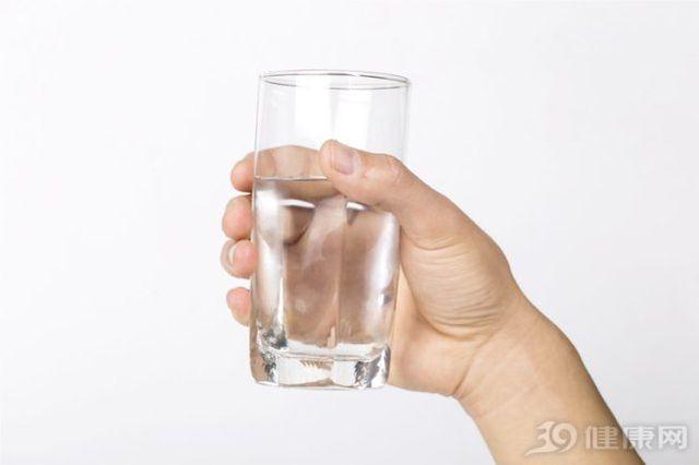 Uống nước trong 3 khoảng thời gian này có thể đem đến lợi ích vàng cho sức khỏe - Ảnh 2