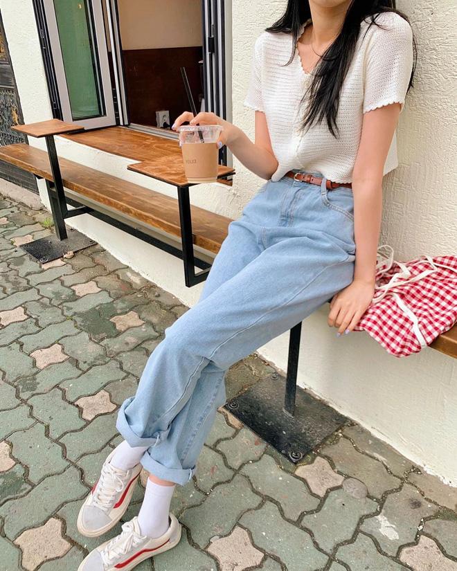 6 kiểu quần jeans hot nhất hè này, chị em muốn được khen ăn mặc sang xịn, trendy hãy update ngay - Ảnh 10