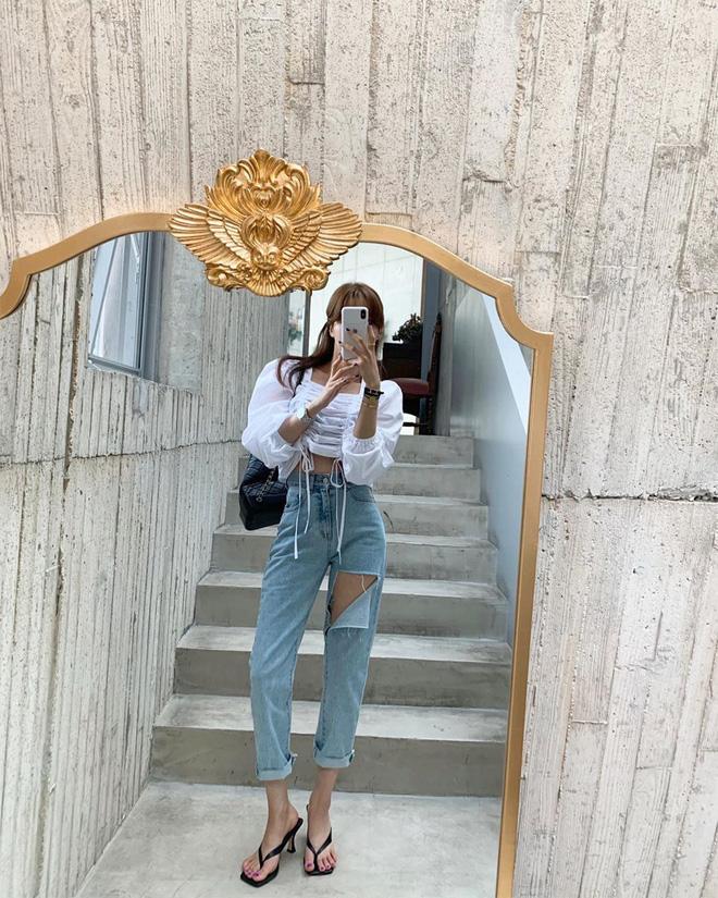 6 kiểu quần jeans hot nhất hè này, chị em muốn được khen ăn mặc sang xịn, trendy hãy update ngay - Ảnh 15