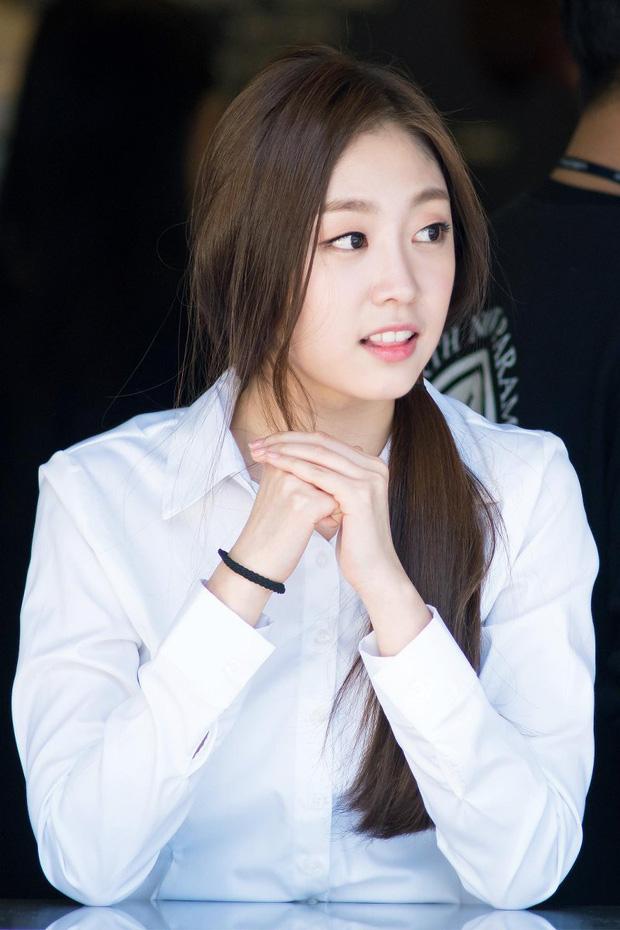 7 nữ idol có sống mũi đẹp nhất Kpop: 2 nữ thần Irene - Nancy cạnh tranh gay gắt, bất ngờ nhất là idol debut gần 10 năm - Ảnh 13