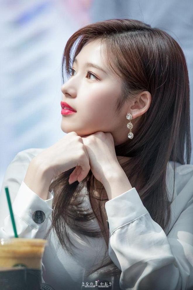 7 nữ idol có sống mũi đẹp nhất Kpop: 2 nữ thần Irene - Nancy cạnh tranh gay gắt, bất ngờ nhất là idol debut gần 10 năm - Ảnh 6
